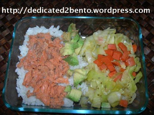 Bento_54_AvocadoSalmon_StirFryCabbage